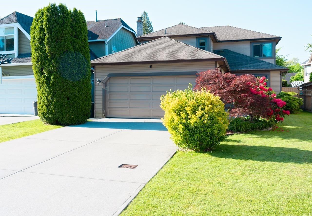 "Main Photo: 11848 WOODLYNN Court in Delta: Sunshine Hills Woods House for sale in ""SUNWOODS"" (N. Delta)  : MLS®# R2601942"