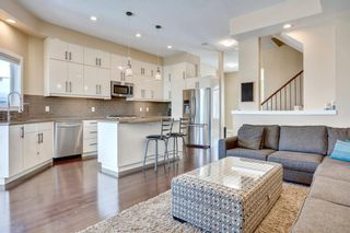 Photo 6: 4619 84 Street NW in Calgary: Bowness Semi Detached for sale : MLS®# C4271032
