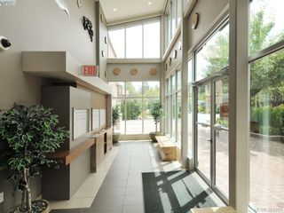 Photo 3: 409 662 Goldstream Ave in VICTORIA: La Fairway Condo for sale (Langford)  : MLS®# 772373
