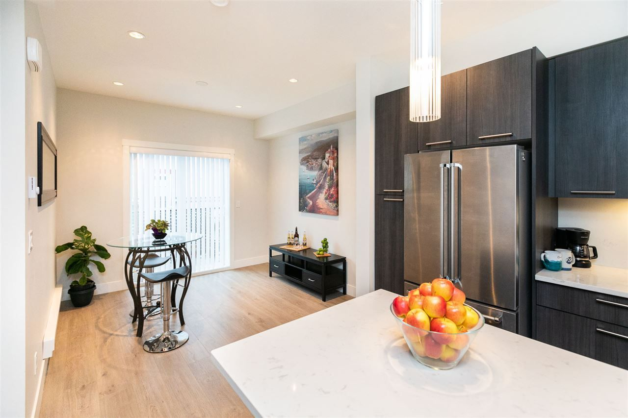 """Photo 7: Photos: 13 16315 23A Avenue in Surrey: Grandview Surrey Townhouse for sale in """"SOHO"""" (South Surrey White Rock)  : MLS®# R2430685"""