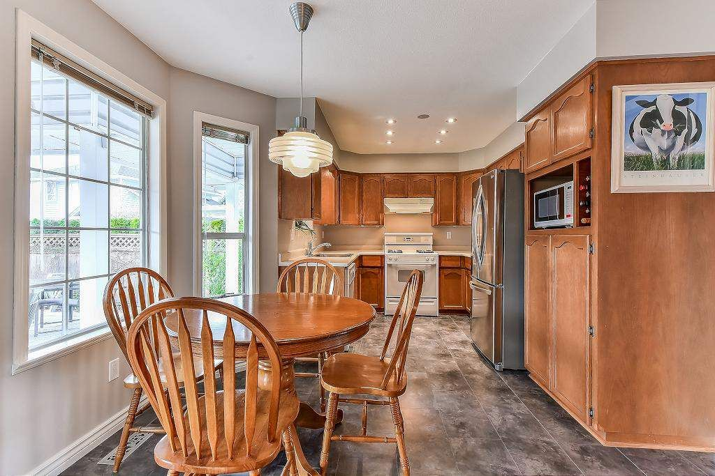 """Photo 10: Photos: 20952 50B Avenue in Langley: Langley City House for sale in """"Newlands"""" : MLS®# R2239535"""