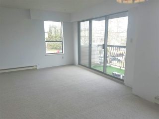 """Photo 9: 304 813 E BROADWAY in Vancouver: Mount Pleasant VE Condo for sale in """"BROADHILL MANOR"""" (Vancouver East)  : MLS®# R2314350"""