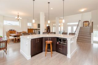"""Photo 5: 25480 BOSONWORTH Avenue in Maple Ridge: Thornhill MR House for sale in """"The Summit at Grant Hill"""" : MLS®# R2354121"""