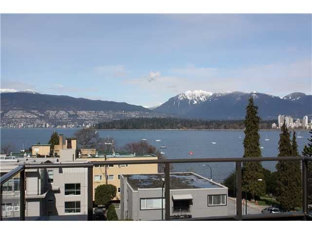 """Main Photo: P3 2410 CORNWALL Avenue in Vancouver: Kitsilano Condo for sale in """"SPINNAKER"""" (Vancouver West)  : MLS®# V878793"""