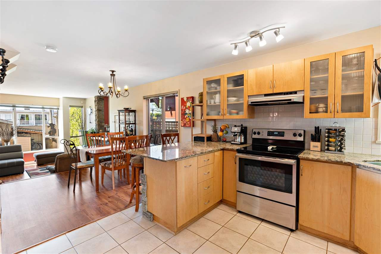 Photo 5: Photos: C 229 W 5TH Street in North Vancouver: Lower Lonsdale 1/2 Duplex for sale : MLS®# R2589308