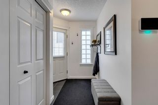 Photo 3: 2 2027 2 Avenue NW in Calgary: West Hillhurst Row/Townhouse for sale : MLS®# A1104288