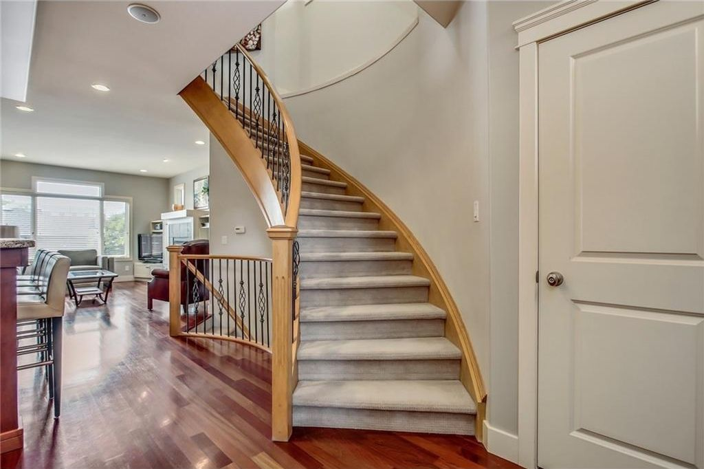 Photo 9: Photos: 3909 19 Street SW in Calgary: Altadore House for sale : MLS®# C4122880