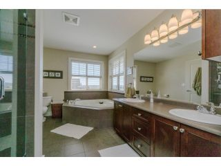 """Photo 14: 5915 164TH Street in Surrey: Cloverdale BC House for sale in """"WEST CLOVERDALE"""" (Cloverdale)  : MLS®# F1439520"""