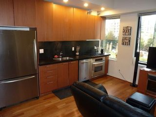 """Photo 26: 613 1333 W GEORGIA Street in Vancouver: Coal Harbour Condo for sale in """"Qube"""" (Vancouver West)  : MLS®# V1024937"""