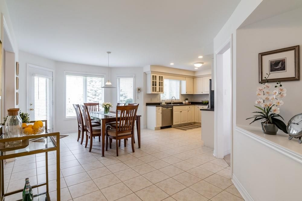Photo 11: Photos: 1105 Westhaven Drive in Burlington: Residential for sale : MLS®# H4105053