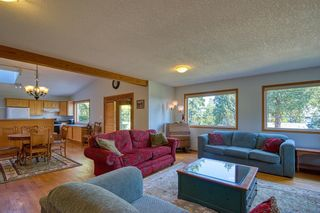 Photo 14: 1212 GOWER POINT Road in Gibsons: Gibsons & Area House for sale (Sunshine Coast)  : MLS®# R2605077