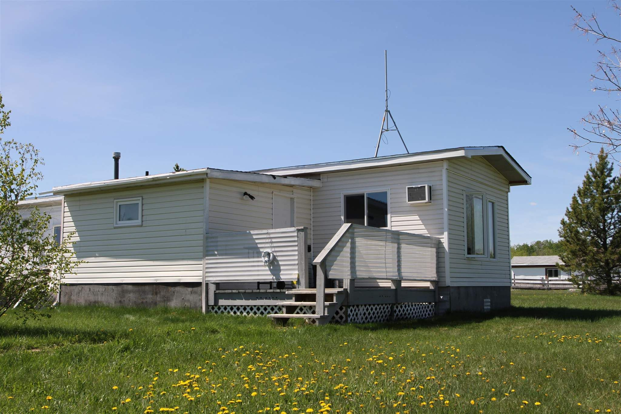 Main Photo: 31 23319 TWP RD 572: Rural Sturgeon County Manufactured Home for sale : MLS®# E4248483