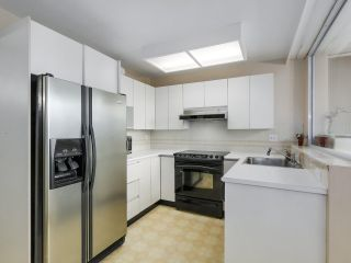 """Photo 10: 302 5425 YEW Street in Vancouver: Kerrisdale Condo for sale in """"The Belmont"""" (Vancouver West)  : MLS®# R2337022"""
