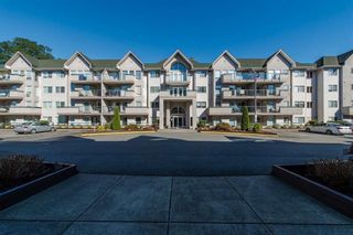Photo 1: 408 33738 King Road in Abbotsford: Condo  : MLS®# R2364050