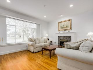 """Photo 2: 7806 HUDSON Street in Vancouver: Marpole House for sale in """"MARPOLE/SOUTH GRANVILLE"""" (Vancouver West)  : MLS®# R2028896"""