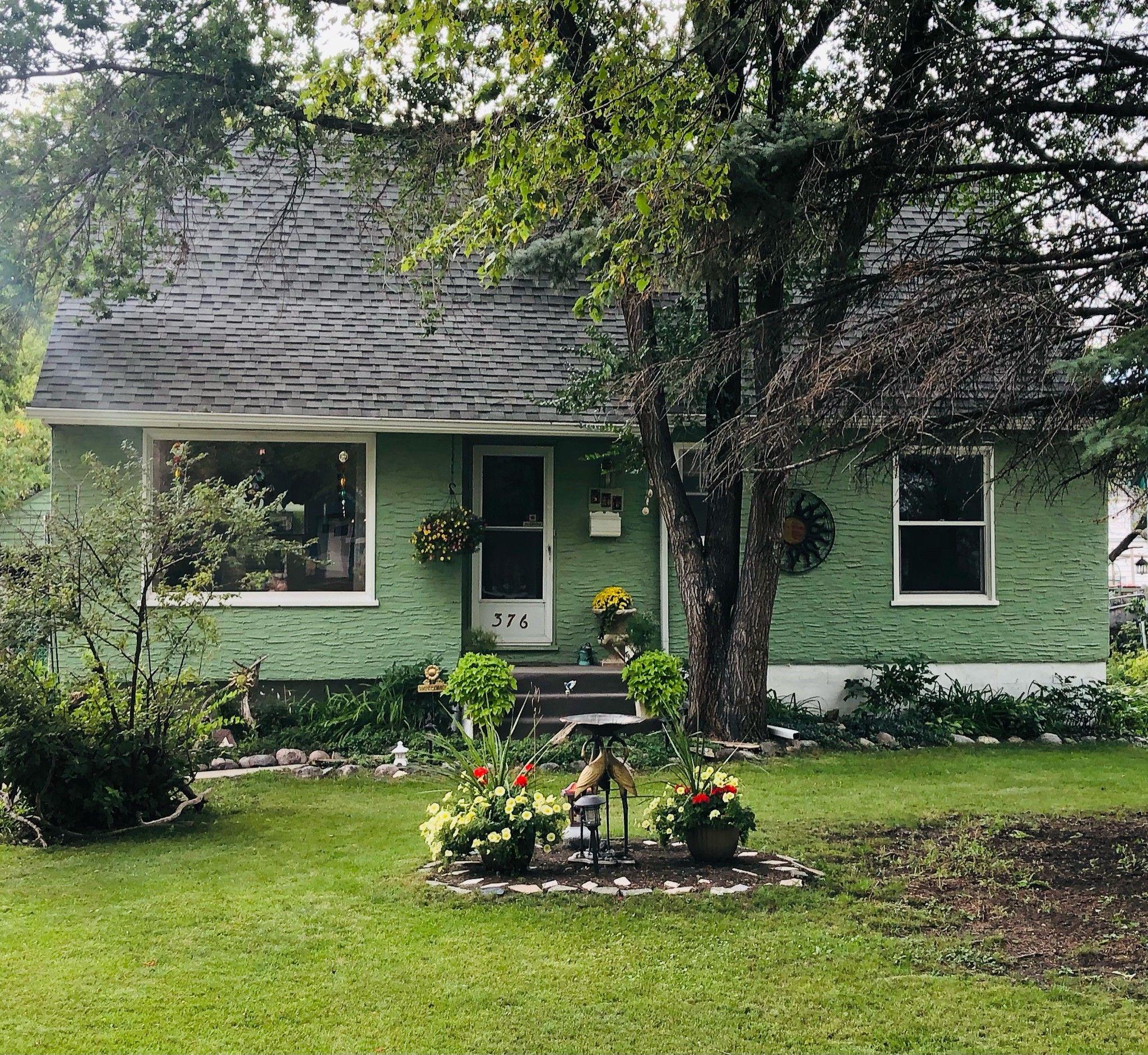 Main Photo: 376 Sharp Boulevard in Winnipeg: Residential for sale