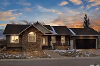 Photo 1: 44 Crescent Drive in Avonlea: Residential for sale : MLS®# SK831400
