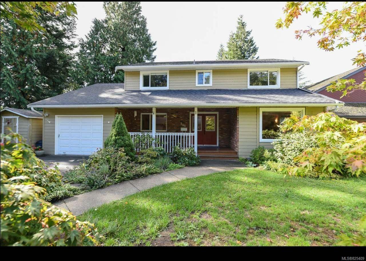 Main Photo: 215 Marida Pl in COMOX: CV Comox (Town of) House for sale (Comox Valley)  : MLS®# 825409