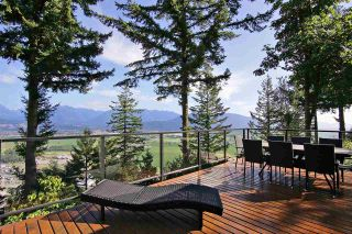 """Photo 30: 8400 GRAND VIEW Drive in Chilliwack: Chilliwack Mountain House for sale in """"Chilliwack Mountain"""" : MLS®# R2483464"""