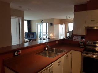"""Photo 5: 805 3438 VANNESS Avenue in Vancouver: Collingwood VE Condo for sale in """"CENTRO"""" (Vancouver East)  : MLS®# R2438403"""
