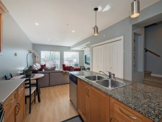 Photo 6: 203 2655 MARY HILL Road in Port Coquitlam: Central Pt Coquitlam Condo for sale : MLS®# R2313705