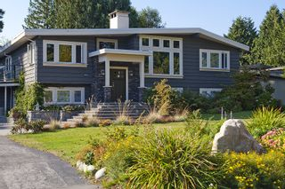 Photo 1: 5044 CLIFF Drive in Tsawwassen: Cliff Drive House for sale : MLS®# V906678