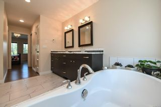 Photo 8: 737 Sand Pines Dr in : CV Comox Peninsula House for sale (Comox Valley)  : MLS®# 873469