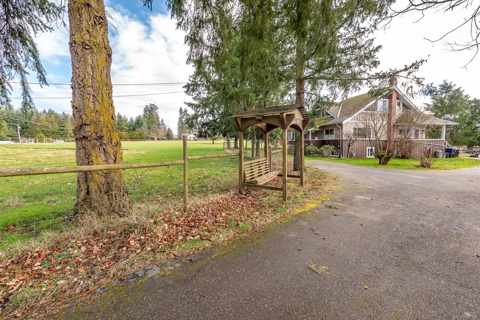 Main Photo: 3130 Alberni Hwy in : PQ Errington/Coombs/Hilliers House for sale (Parksville/Qualicum)  : MLS®# 867197