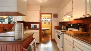 Photo 7: 2872 WEMBLEY DRIVE in North Vancouver: Westlynn Terrace House for sale : MLS®# R2035461
