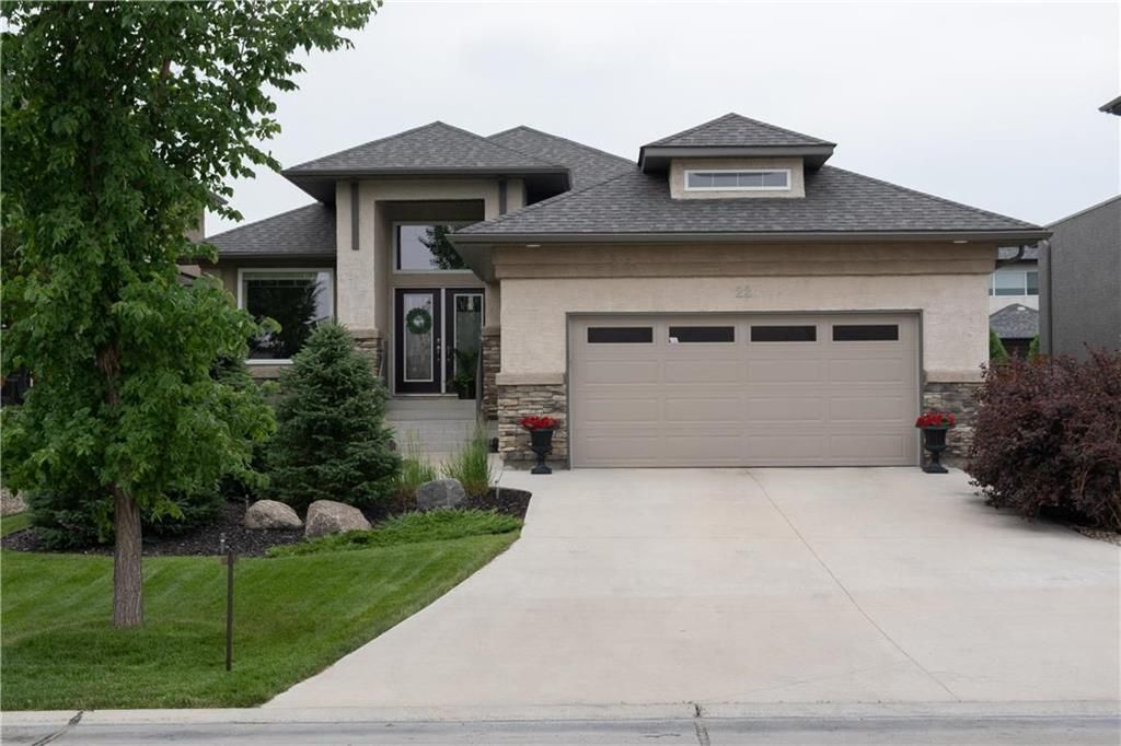 Photo 1: Photos: 22 Vestford Place in Winnipeg: South Pointe Residential for sale (1R)  : MLS®# 202116964