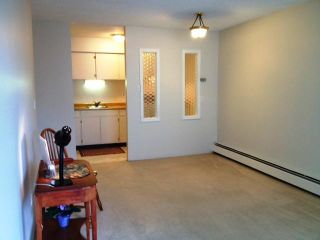 """Photo 3: # 315 707 8TH ST in New Westminster: Uptown NW Condo for sale in """"THE DIPLOMAT"""" : MLS®# V1010308"""