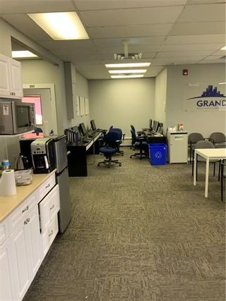 Photo 9: 112 16 Avenue NW in Calgary: Tuxedo Park Office for sale : MLS®# C4291381