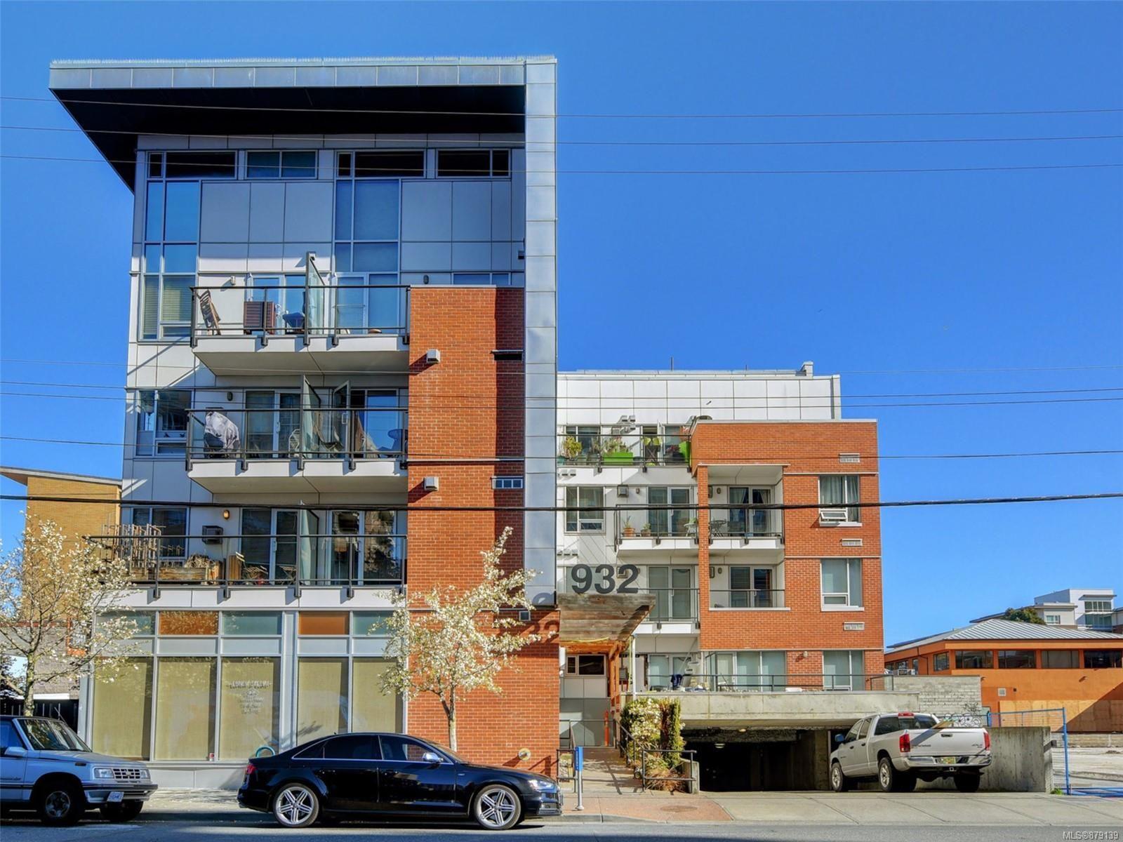 Main Photo: 107 932 Johnson St in Victoria: Vi Downtown Condo for sale : MLS®# 879139
