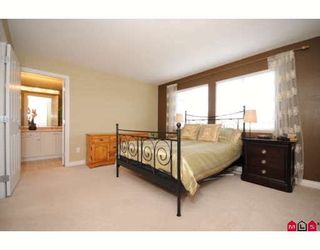 """Photo 5: 39 16760 61ST Avenue in Surrey: Cloverdale BC Townhouse for sale in """"HARVEST LANDING"""" (Cloverdale)  : MLS®# F2903413"""