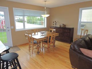Photo 7: 105 MILLRISE Square SW in Calgary: Millrise House for sale : MLS®# C4014169