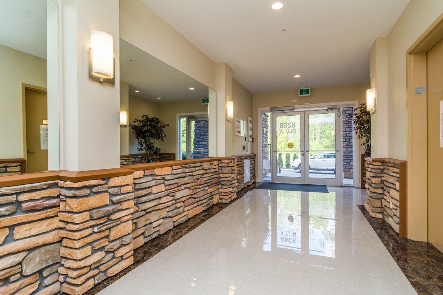 """Photo 5: Photos: 509 8258 207A Street in Langley: Willoughby Heights Condo for sale in """"YORKSON CREEK (BLG A)"""" : MLS®# R2221052"""