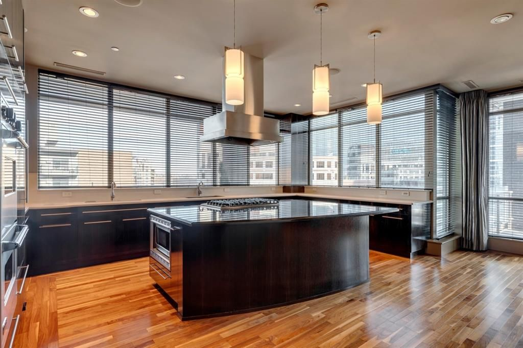 Photo 4: Photos: 1001 701 3 Avenue SW in Calgary: Downtown Commercial Core Apartment for sale : MLS®# A1050248
