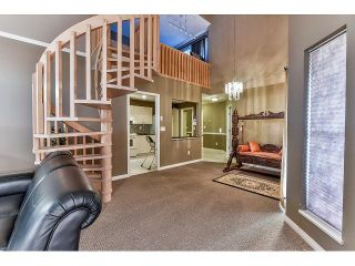 Photo 8: 304 7171 121 Street in Surrey: West Newton Condo for sale : MLS®# R2029159
