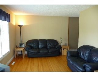 Photo 3: 753 STEWART ST in WINNIPEG: Westwood / Crestview Single Family Detached for sale (West Winnipeg)  : MLS®# 2914268