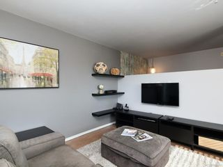 Photo 3: 201 932 Johnson St in Victoria: Vi Downtown Condo for sale : MLS®# 844483