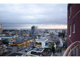 """Photo 1: 1404 121 W 15TH Street in North Vancouver: Central Lonsdale Condo for sale in """"ALEGRIA"""" : MLS®# V1102580"""