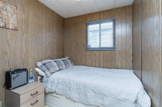 "Photo 11: 44 8220 KING GEORGE Boulevard in Surrey: Bear Creek Green Timbers Manufactured Home for sale in ""Crestway Bays"" : MLS®# R2444828"