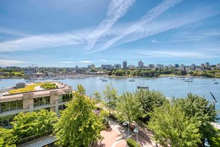 """Photo 5: 705 1383 MARINASIDE Crescent in Vancouver: Yaletown Condo for sale in """"COLUMBUS"""" (Vancouver West)  : MLS®# R2594508"""