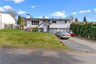 Photo 1: 7902 HERON Street in Mission: Mission BC House for sale : MLS®# R2552934