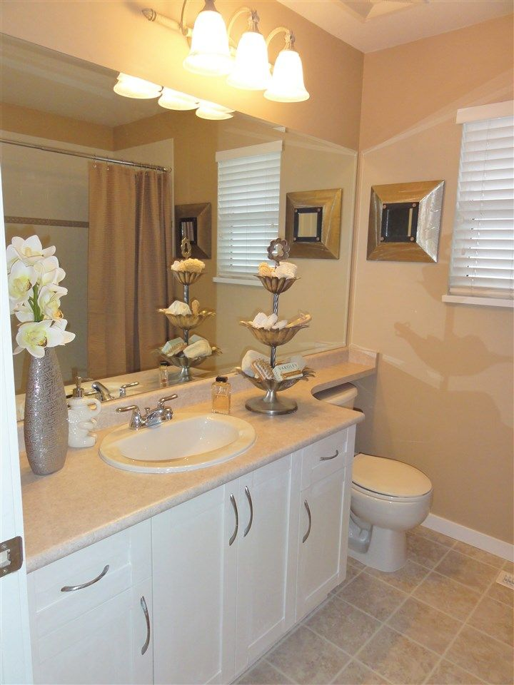 """Photo 13: Photos: 5883 148A Street in Surrey: Sullivan Station House for sale in """"Panorama Village"""" : MLS®# R2032102"""