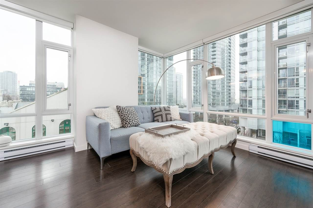 Main Photo: #715 - 161 W. Georgia St, in Vancouver: Downtown VW Condo for sale (Vancouver West)  : MLS®# R2035783