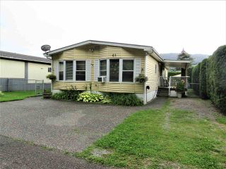 """Photo 2: 61 5742 UNSWORTH Road in Sardis: Vedder S Watson-Promontory Manufactured Home for sale in """"Cedar Grove"""" : MLS®# R2405974"""