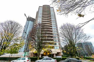 """Photo 1: 202 5885 OLIVE Avenue in Burnaby: Metrotown Condo for sale in """"THE METROPOLITAN"""" (Burnaby South)  : MLS®# R2125081"""