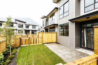 "Photo 3: 1222 SHANNON Lane in Squamish: Downtown SQ Townhouse for sale in ""The Falls at Eaglewind"" : MLS®# R2107690"