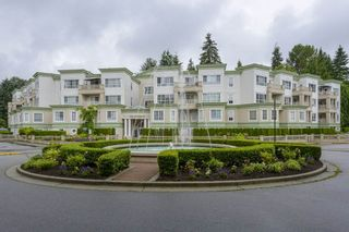 Photo 2: 101 2960 PRINCESS CRESCENT in Coquitlam: Canyon Springs Condo for sale : MLS®# R2474240
